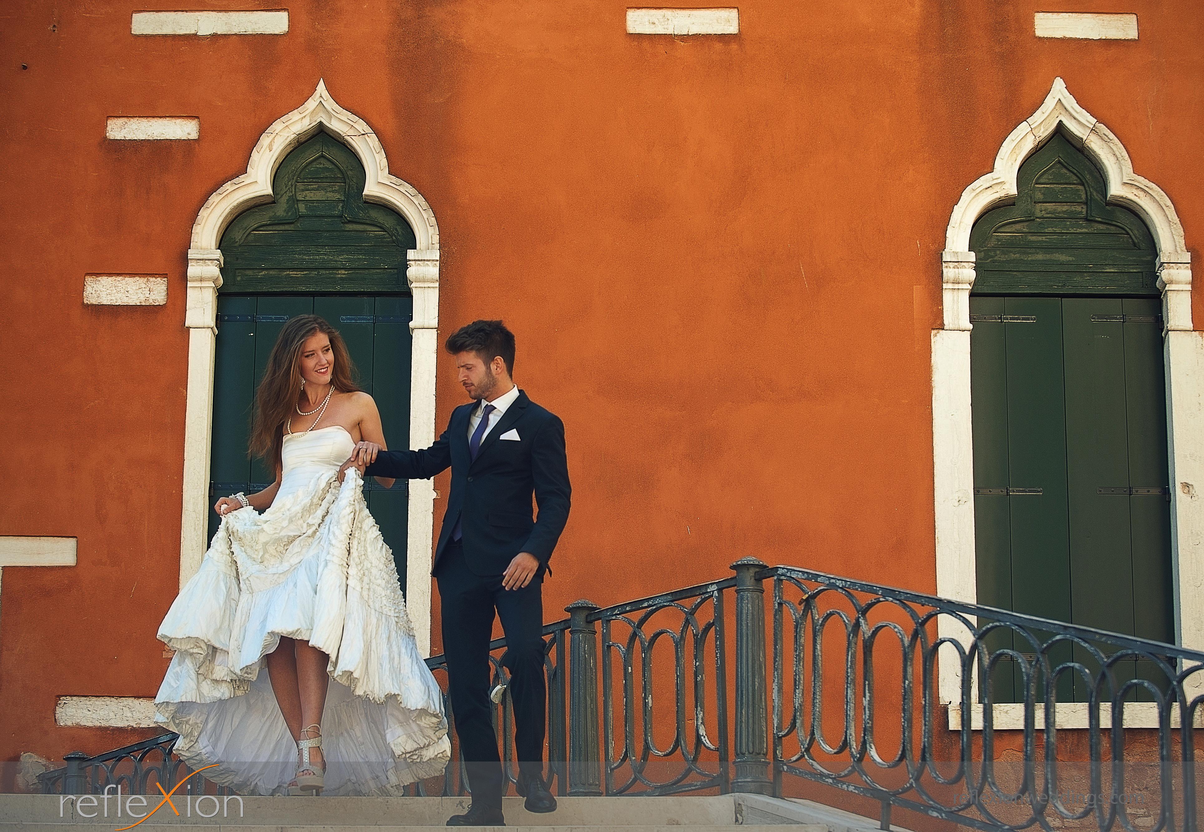 Locations for wedding photography in Venice - pontoone bridge