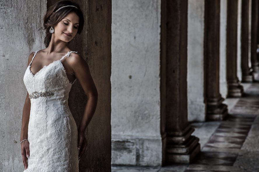 Bride standing in front of caffe Florian in Venice