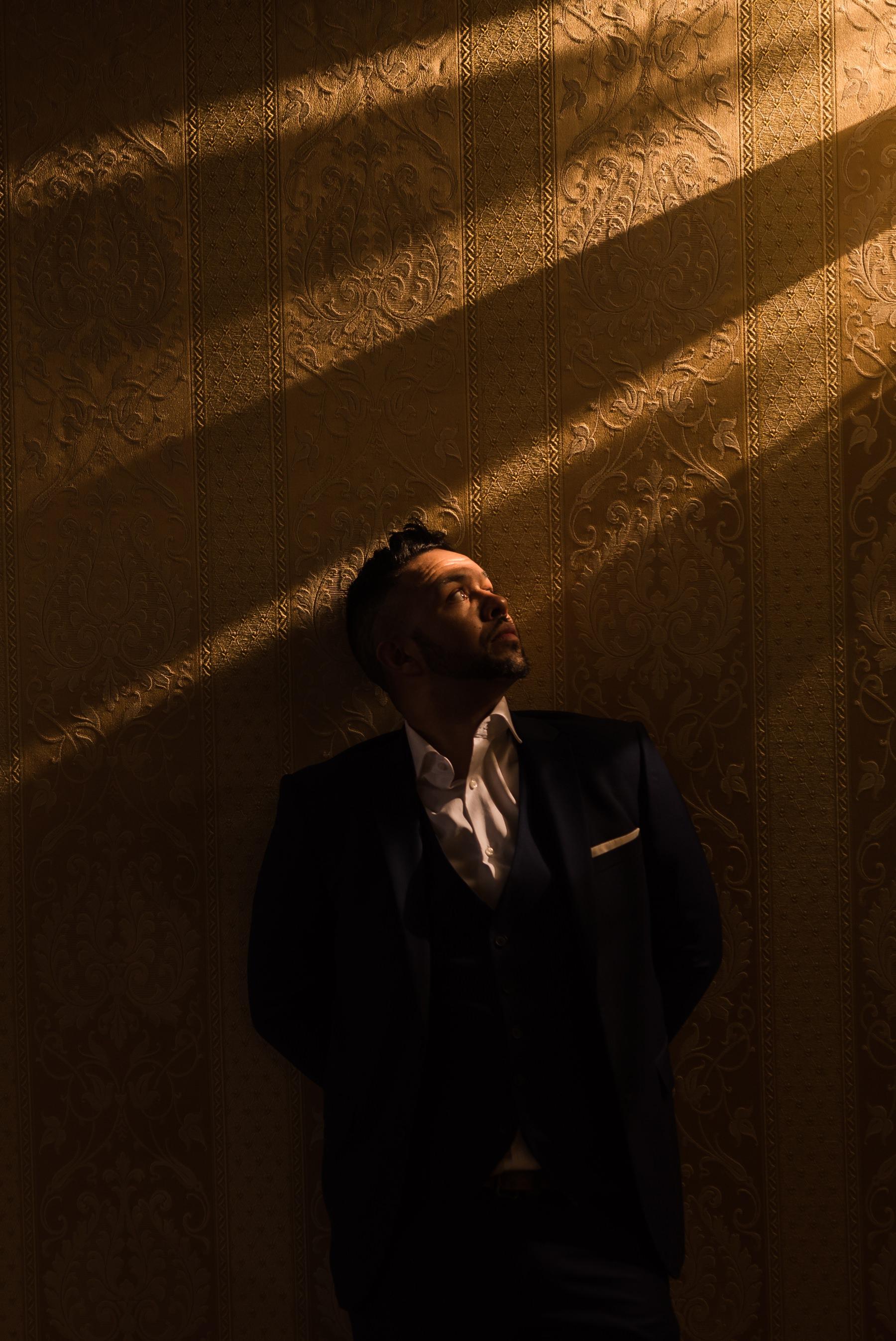 Palazzo Cavalli Venice grooms portrait whit textured light